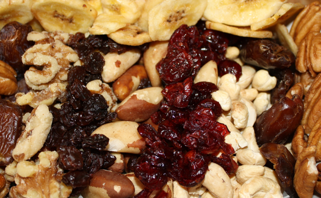 Raw Nut and Dried Fruit Nosh